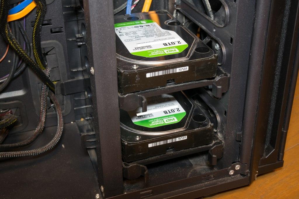 PCケース内のHDD