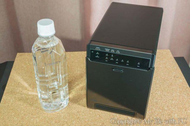 「LHR-4BNHEU3」と500mlのペットボトル